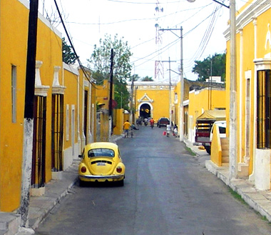All of the buildings are painted yellow in the city of Izamal.
